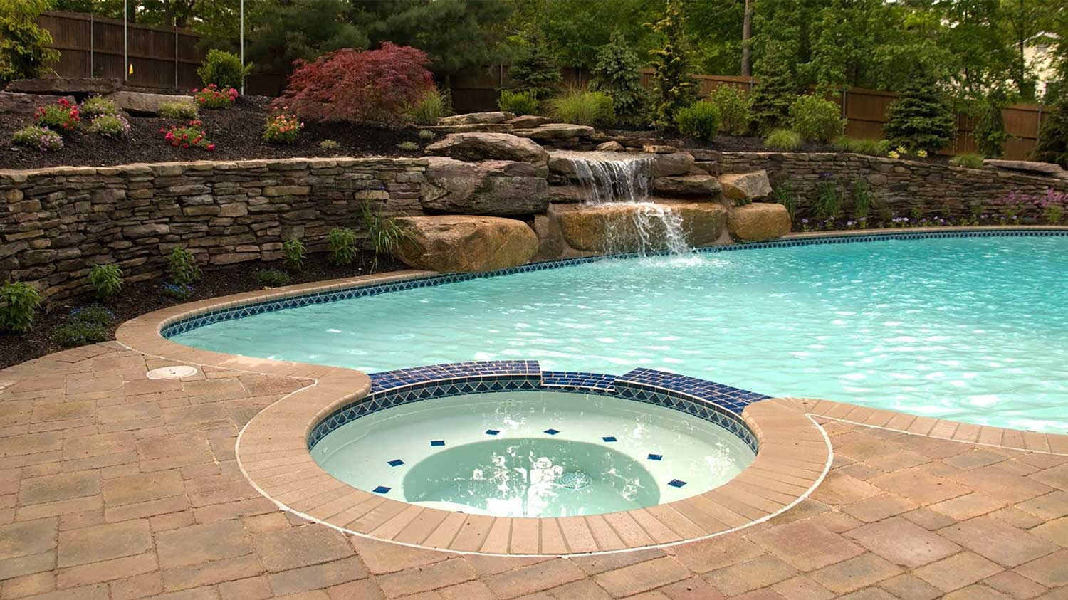 Pool & Water Features