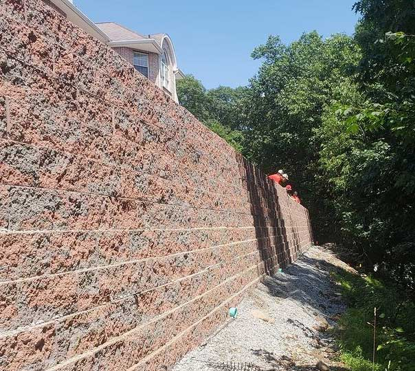 Knowing When its Time for a Retaining Wall Replacement